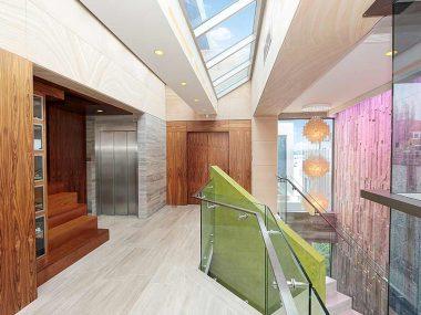 Landing-internal-luxury-home-build