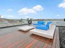 Luxury-home-retreat-deck2
